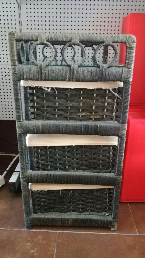 Imagen producto Mueble de mimbre con 3 cajones 3