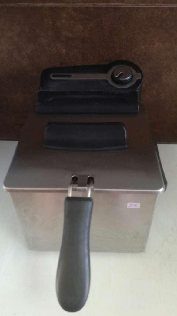 Imagen producto Freidora 1,2 litros 3