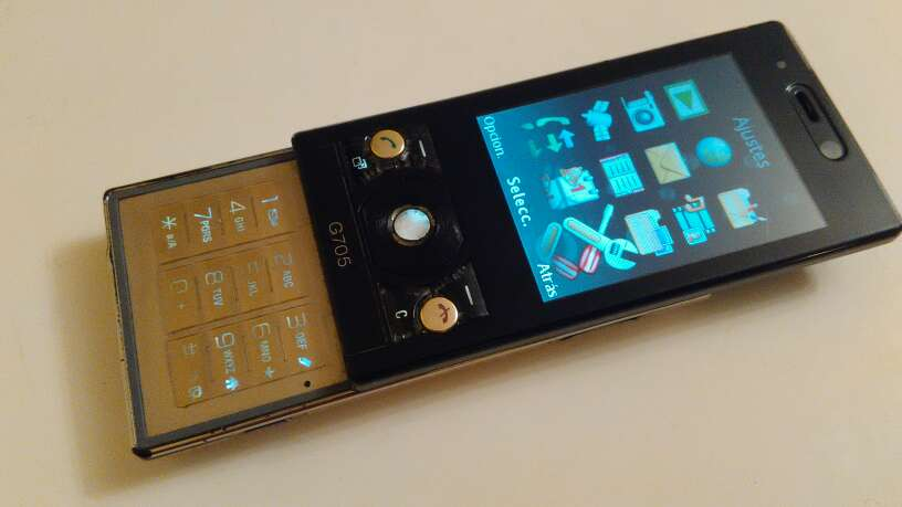 Imagen Sony Ericsson g705 libre