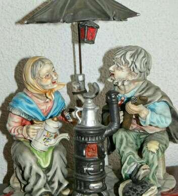 Imagen producto Figura Decorativa Ancianos 1