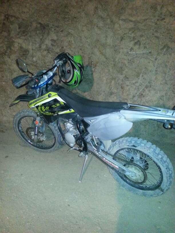Imagen producto Se vende moto  2