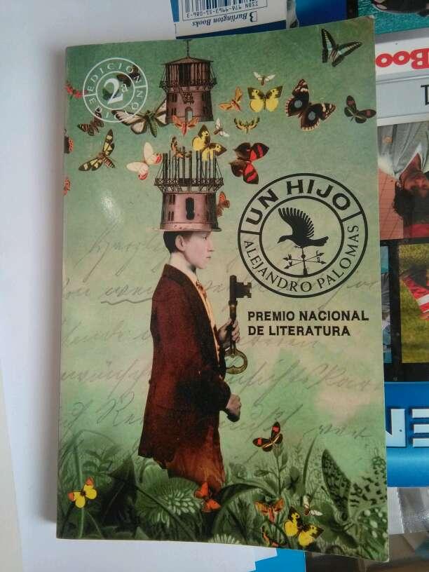 Imagen vendo libro de lectura en castellano
