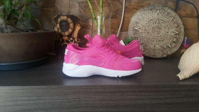 Imagen producto Nike Hauarache Rosa Fuxia n36 y n40 4