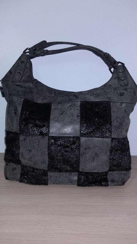 Imagen Bolso gris/negro de piel