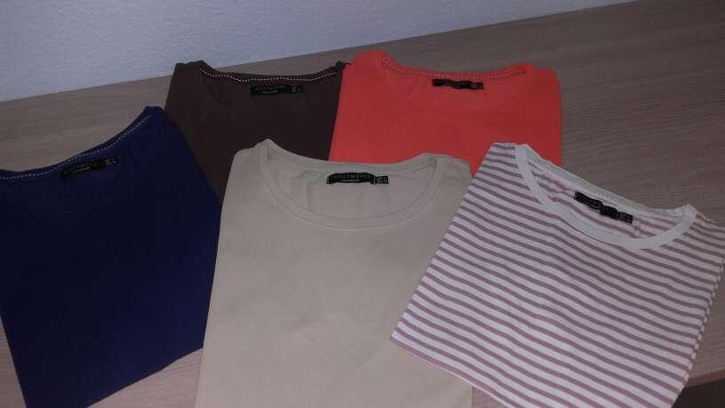 Imagen Lote de camisetas de mujer CORTEFIEL.