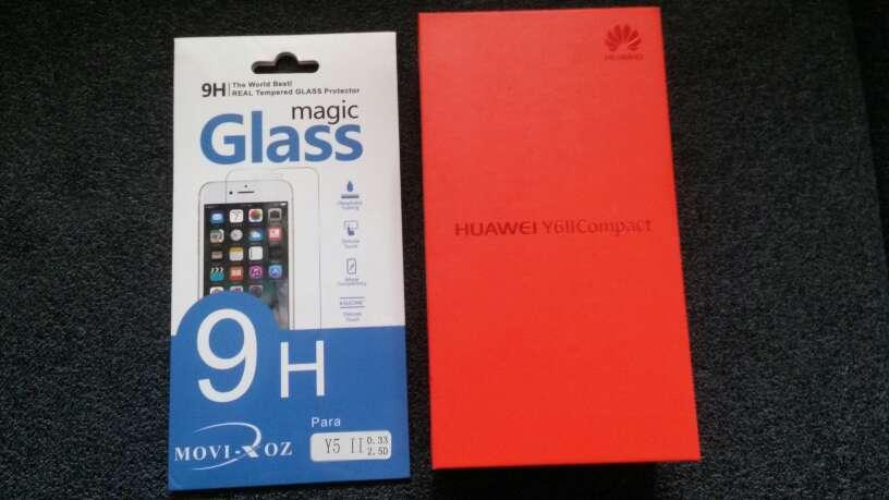 Imagen producto Movil Huawei Y611 Compact nuevo sin abrir 2