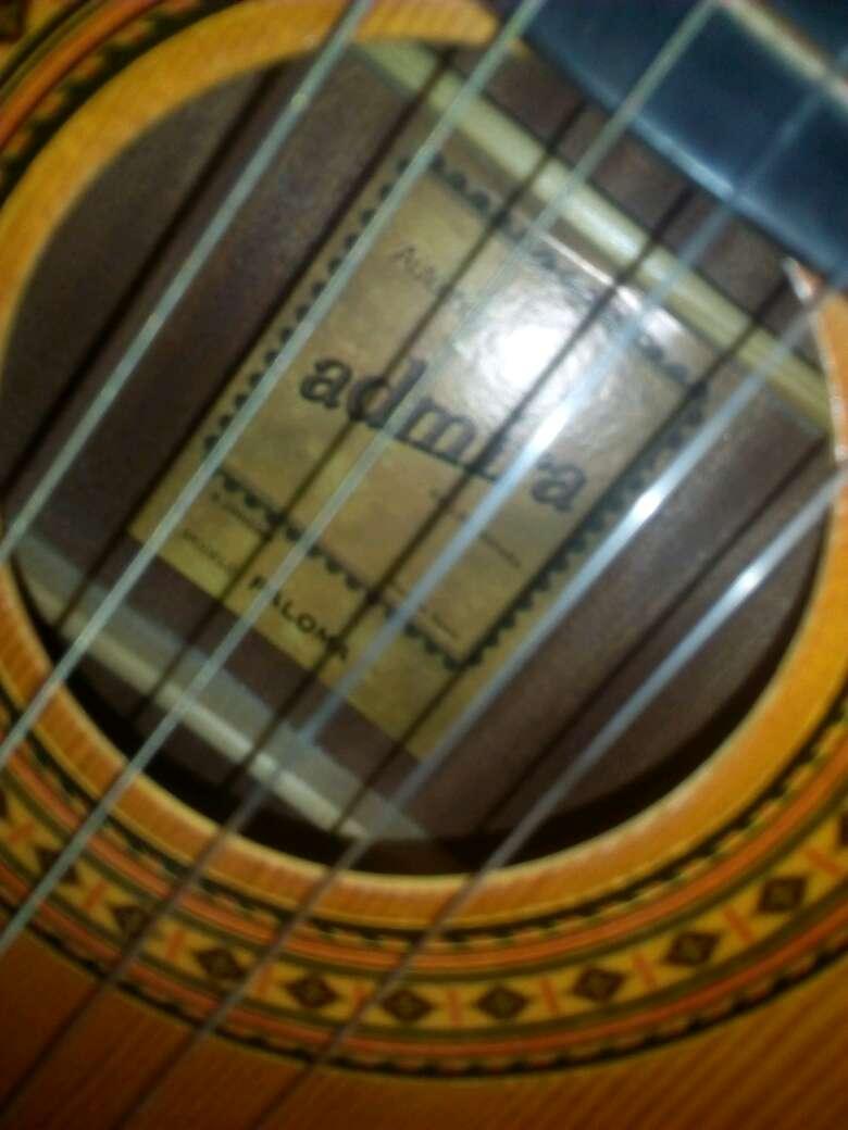 Imagen producto Guitarra marca paloma  2