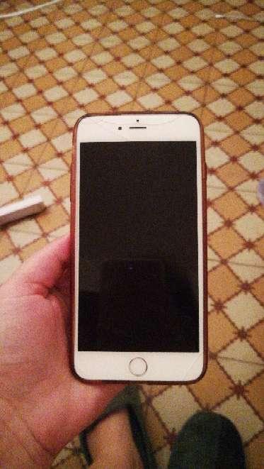 Imagen IPhone 6 plus con pantalla rota