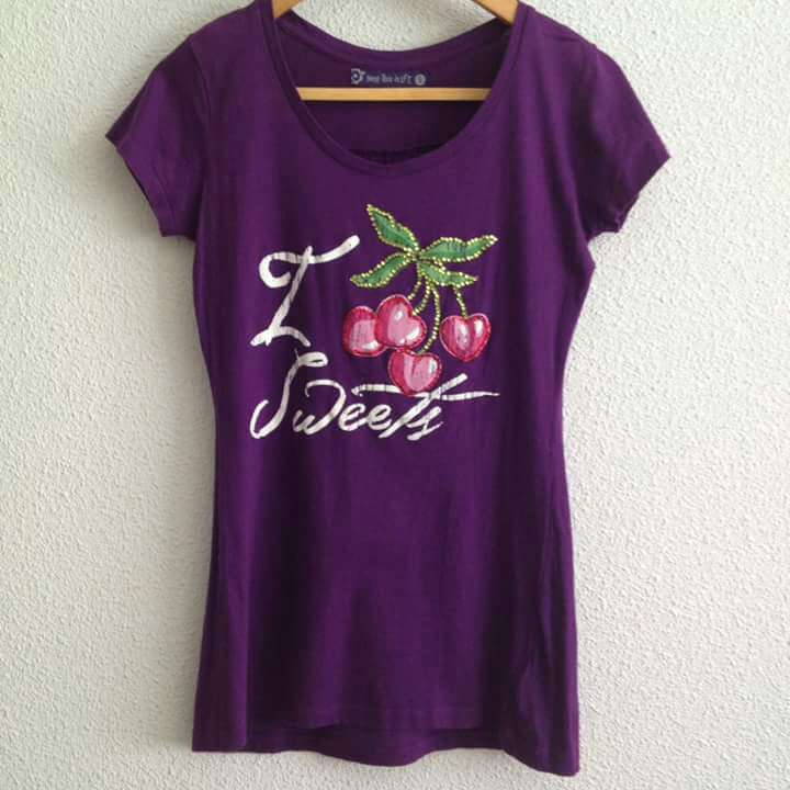 Imagen Camiseta Morada Cerezas