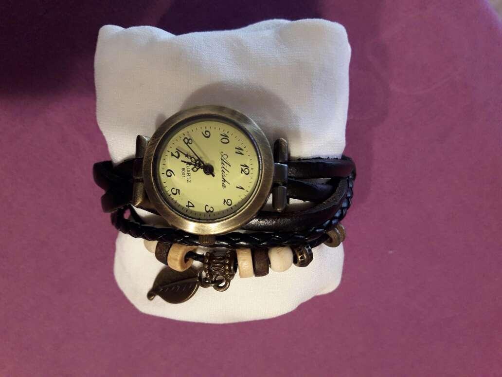 Imagen reloj pulsera.
