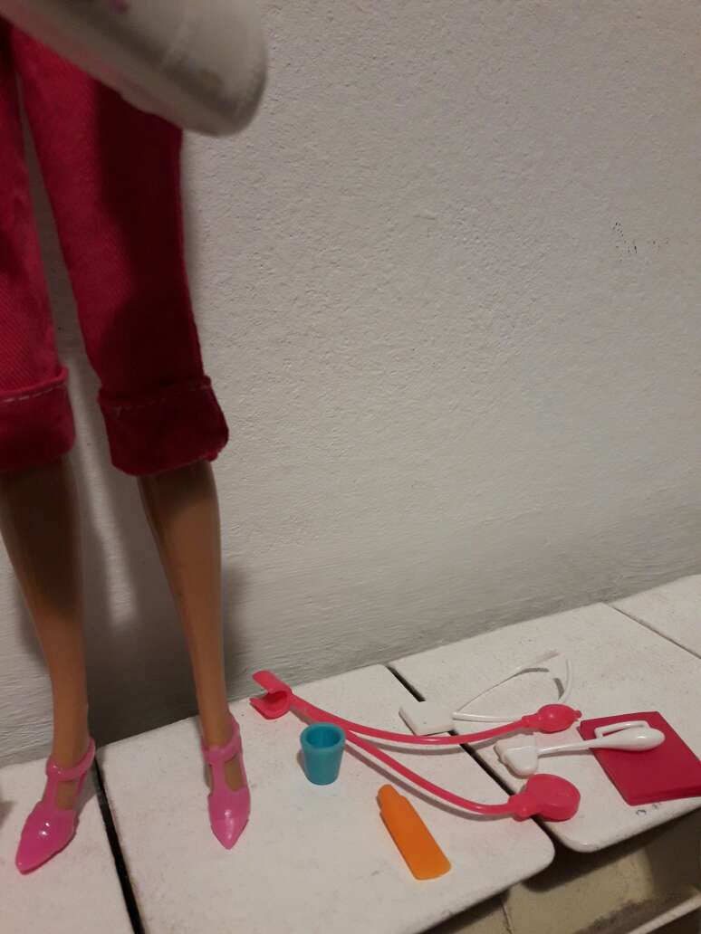 Imagen producto Barbie doctora. 2