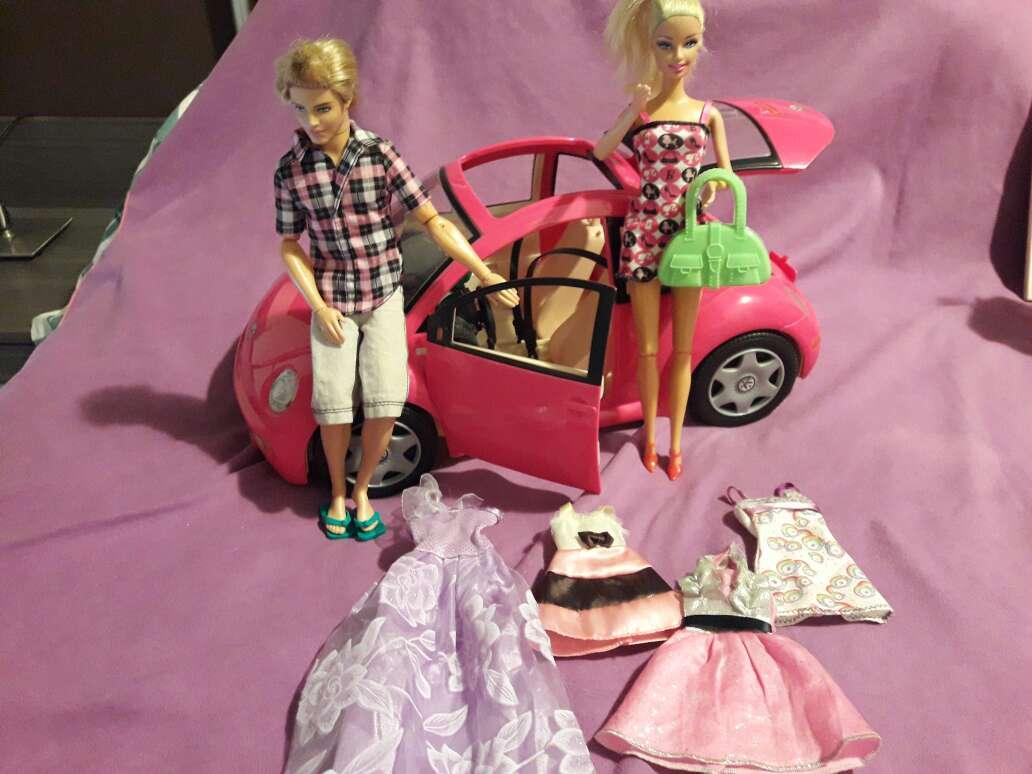 Imagen coche+barbie+Kenia ropa