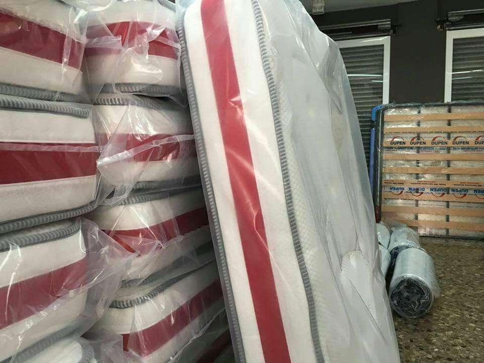 Imagen producto Canape con colchon viscolastico nuevo 135x190 2