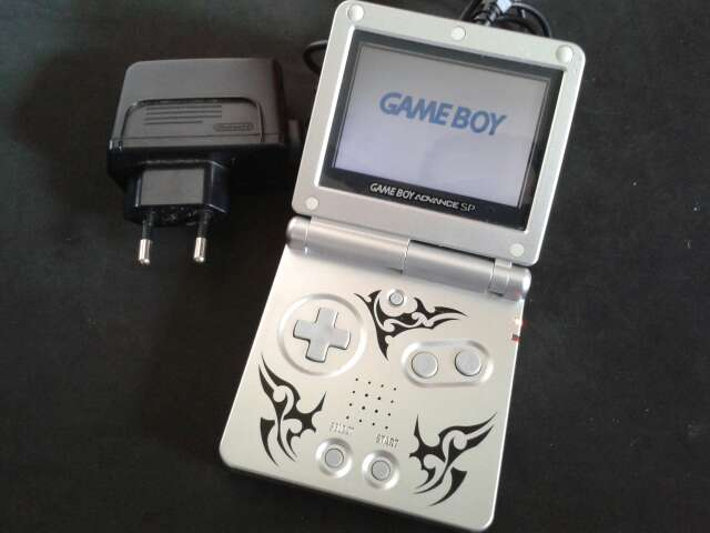 Imagen Game Boy Advance SP Tribal
