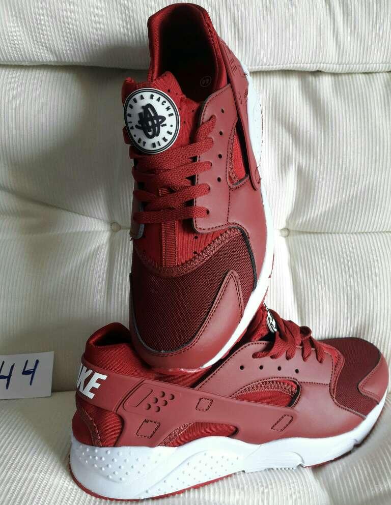 Imagen Nike Modelo Premium ID