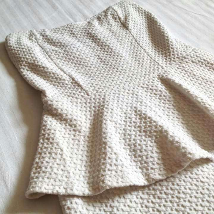 Imagen producto Vestido blanco peplum  3