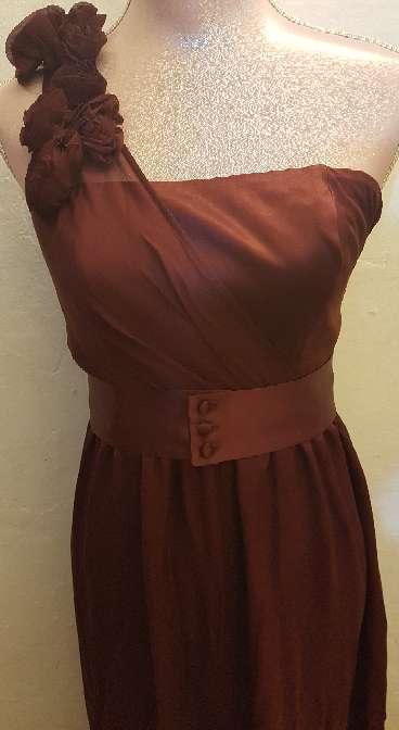 Imagen producto Vestido largo con etiqueta nuevo a estrenar 4