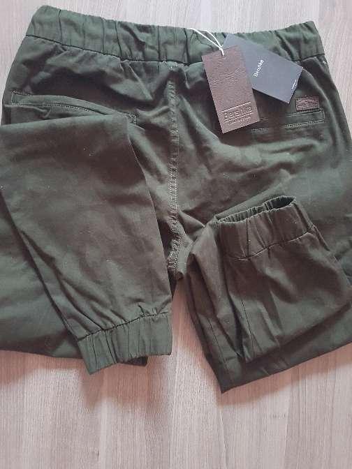 Imagen producto Pantalon de chico berskha a estrenar 3