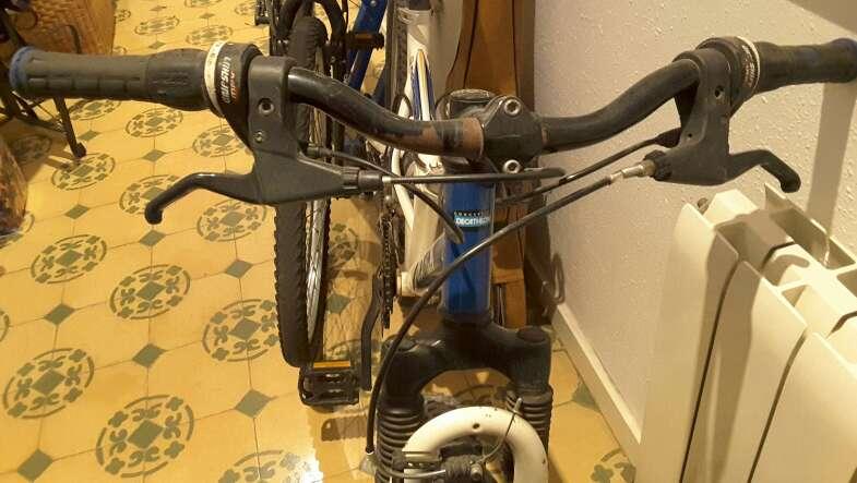 Imagen bicicleta descens de muntanya