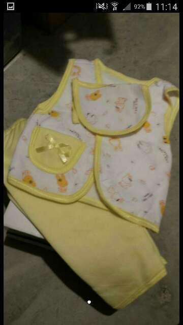 Imagen producto Conjunto amarillo  1