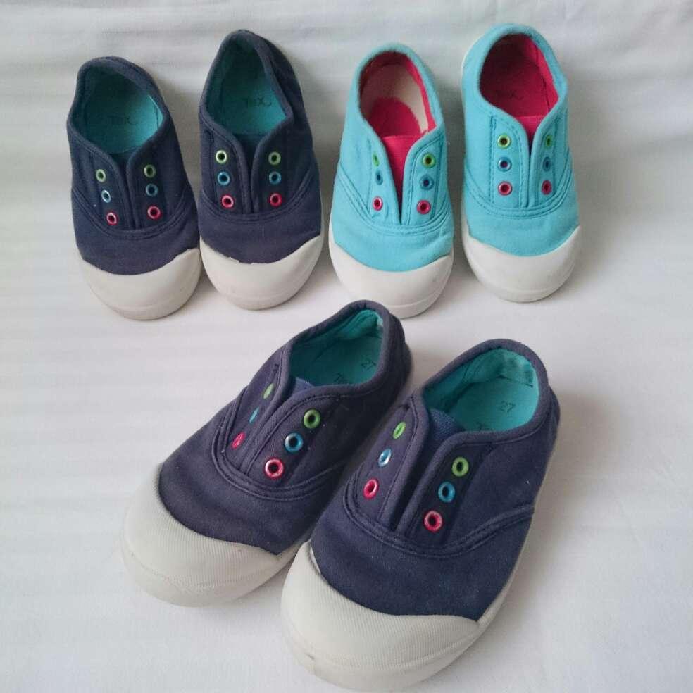 Imagen producto Chaqueta gris gato zapatillas lona azules  2