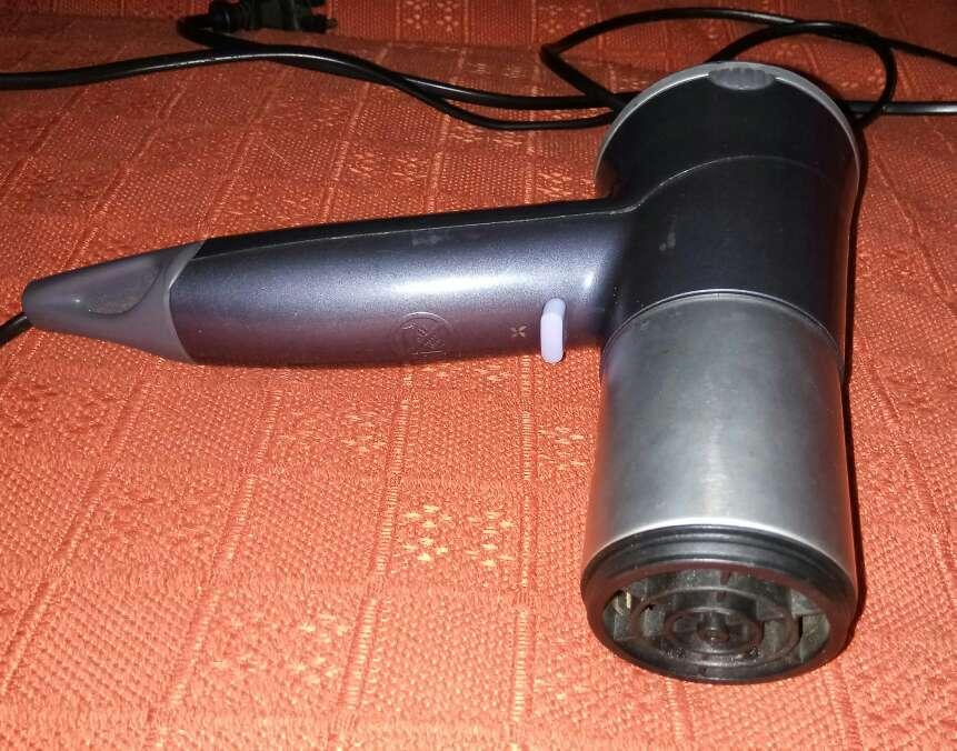 Imagen producto Secador de pelo Rowenta 2