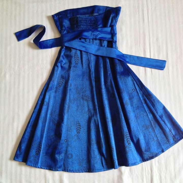 Imagen producto Vestido fiesta azul Royal con flores  3
