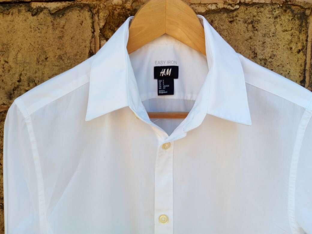 Imagen producto Camisa. blanca hombre t.S H&M casi nueva 2