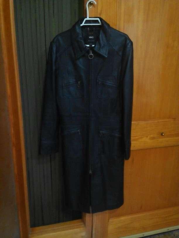 Imagen chaqueta de piel auténtica.de segunda mano por estrenar.para mujer talla L muy bonita.vendo por lo grande que me queda...150€