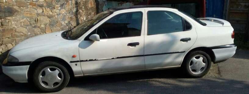 Imagen coche viejo aprovechable
