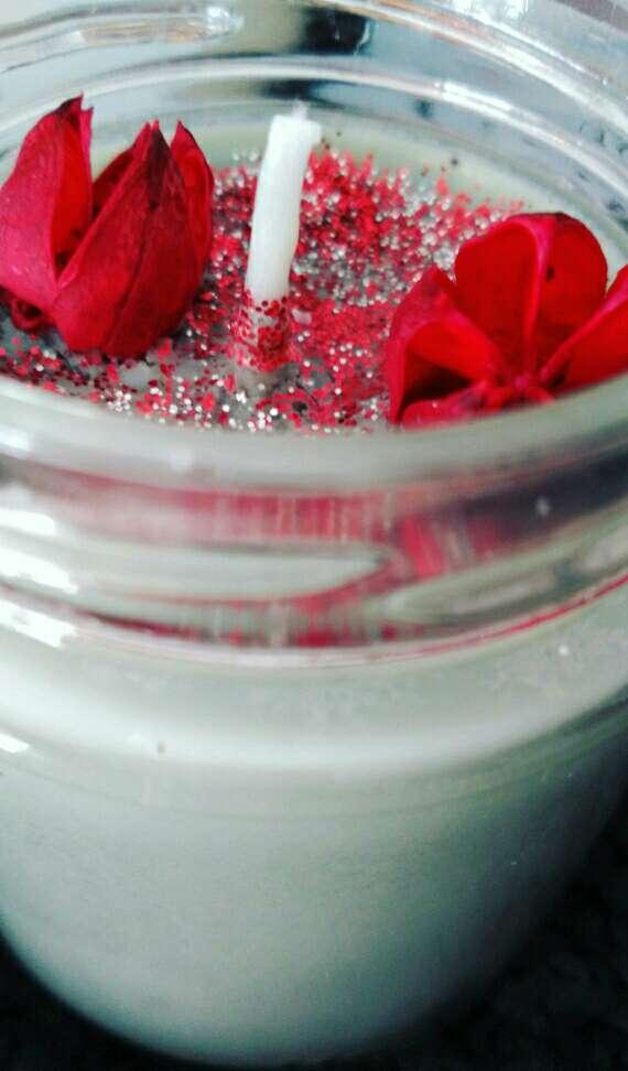 Imagen producto Vela libro La Reina Roja 3