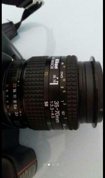 Imagen producto Camara fotos Nikon F401. Carrete y pilas AA.  2