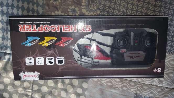 Imagen producto Helicóptero teledirigido NUEVO 30€  1