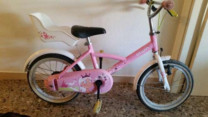 Imagen bicicleta de niña de 4 a 7 años marca btwin
