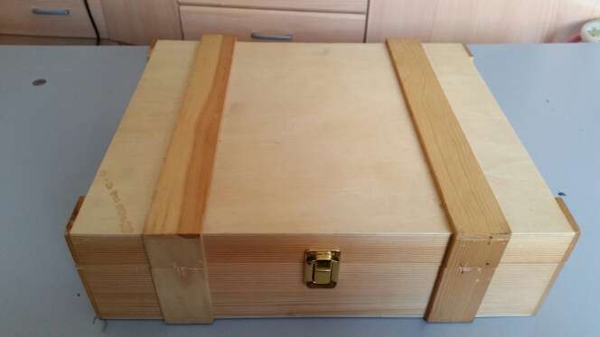 Imagen caja de madera preciosa para guardar cosas
