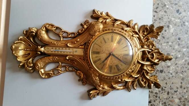 Imagen reloj de pared antiguo precioso