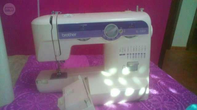 Imagen producto Máquina de coser  1