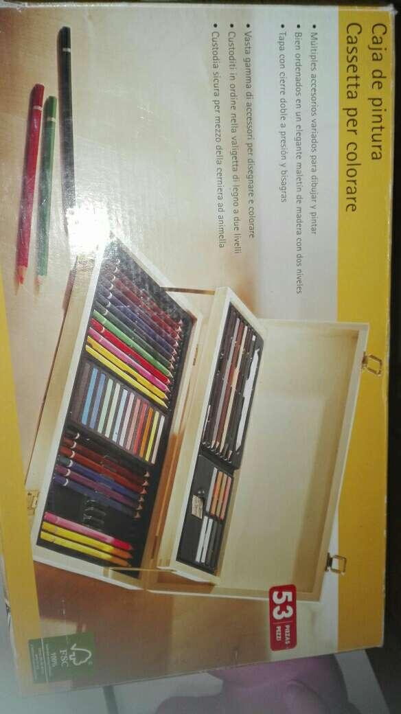 Imagen caja de pintura