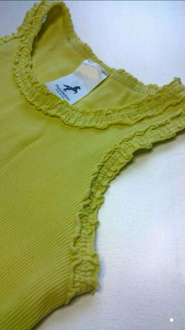 Imagen producto Camiseta verde Vaqueros y Zuecos verdes 2
