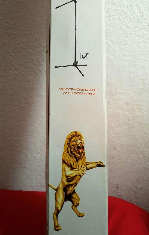 Imagen producto Pie de Micrófono en caja de embalaje original  3