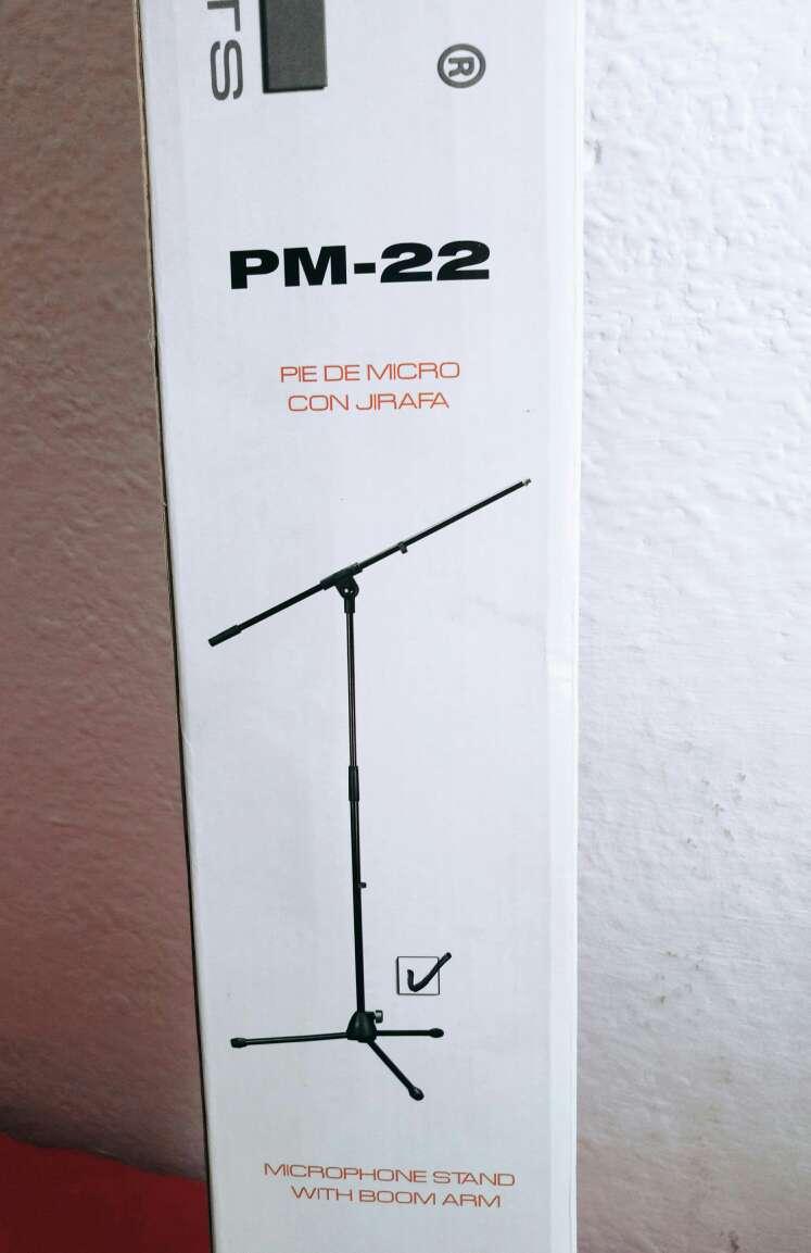 Imagen Pie de Micrófono en caja de embalaje original