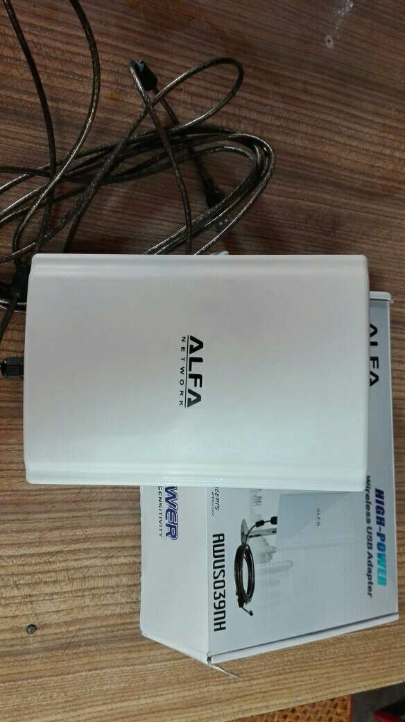 Imagen antena de wifi alfa largo alcance