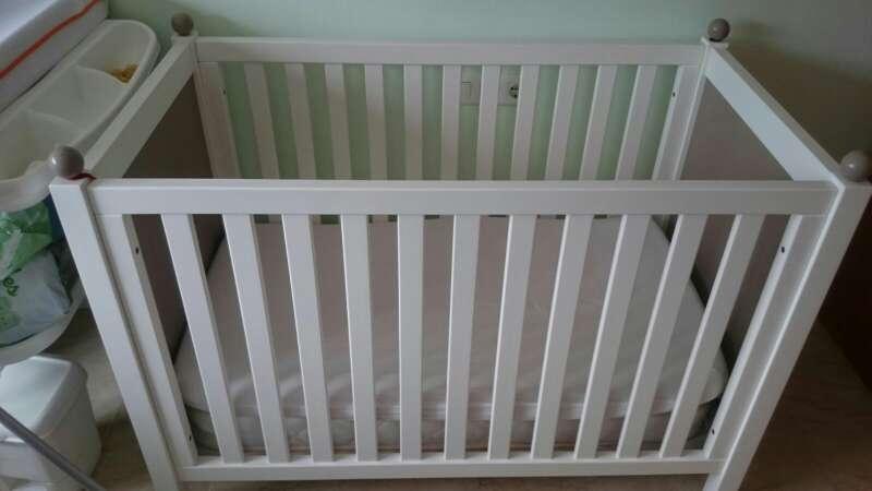 Imagen producto Cuna de Bebe con colchón 3