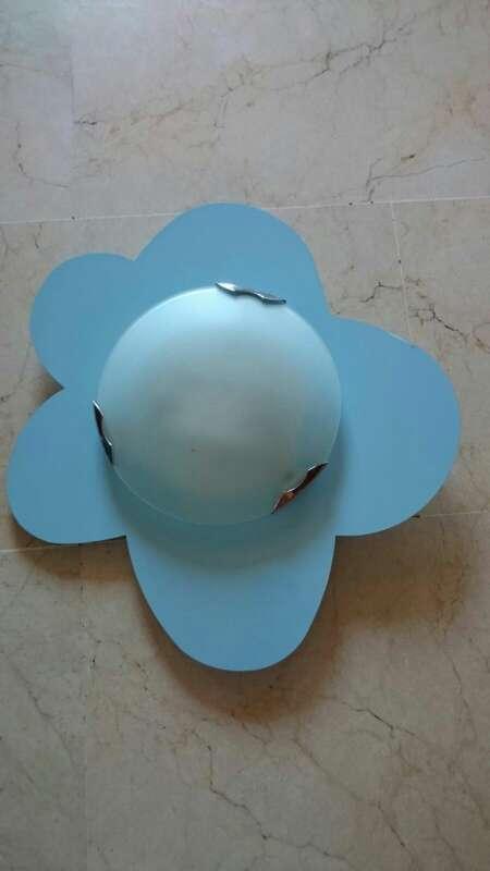 Imagen producto Cuna de Bebe, protector ikea nuevo y lámpara 3