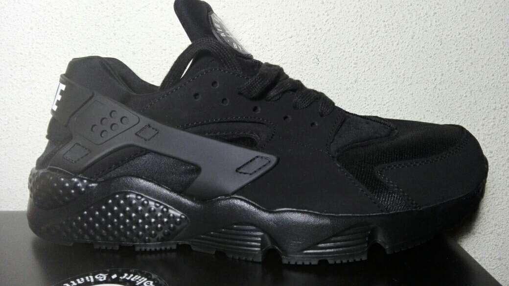 Imagen Nike Huarache Ultra Negras