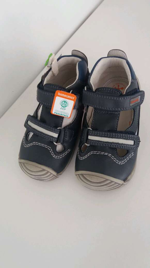 Imagen zapato biomecanics niño