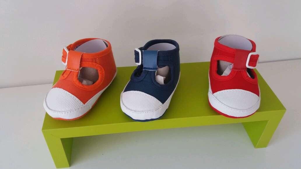 Imagen zapatillas bebe.