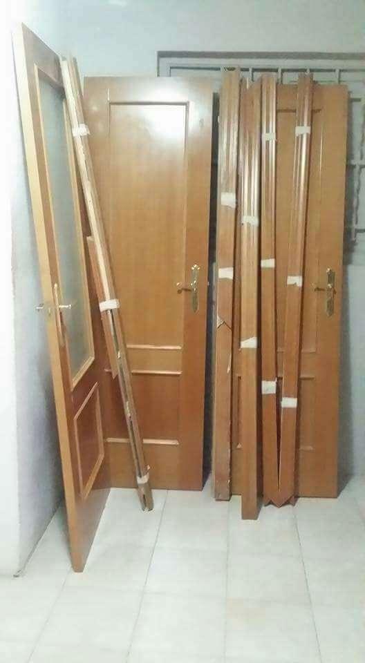 Imagen puertas de casa perfecto estado