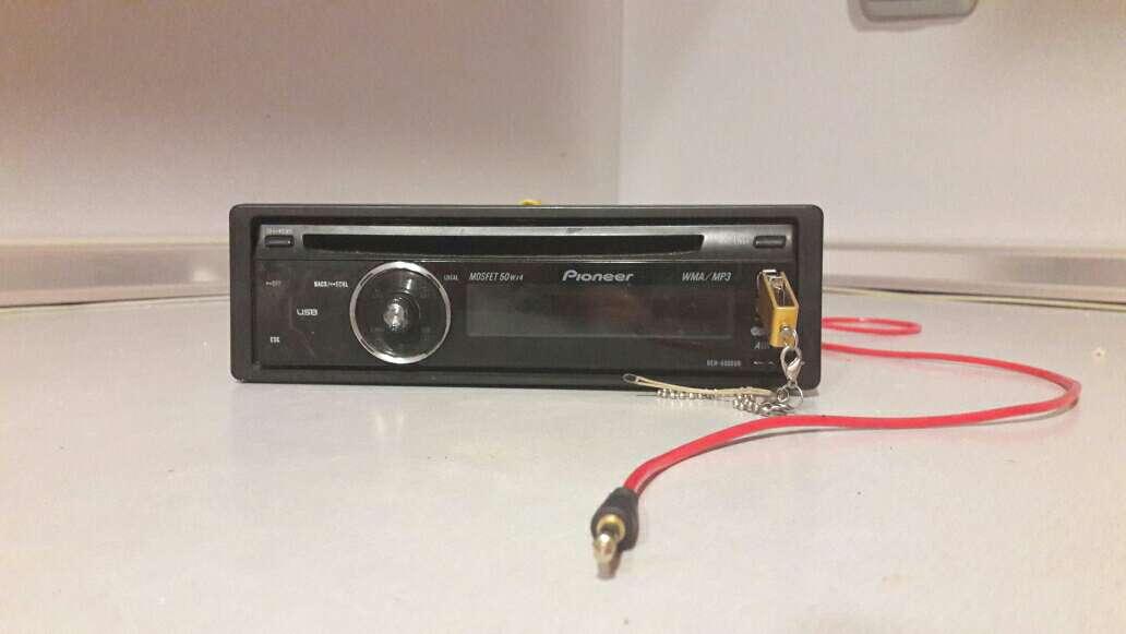 Imagen radio Pioneer DEH-4000UB