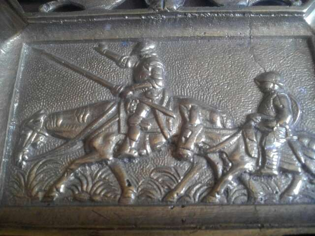 Imagen bandeja decorativa de bronce
